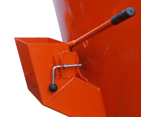 TMR mobile Vertical Mixer: Loading hopper for mineral