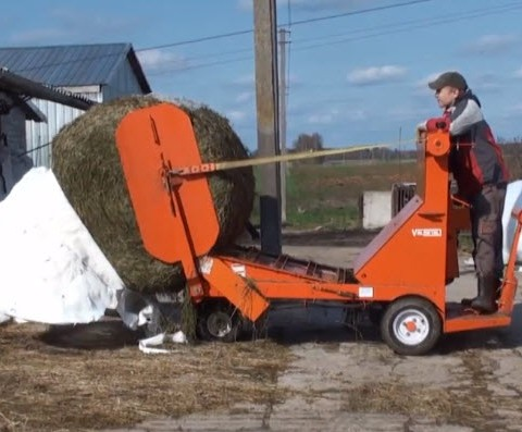 Round bale feed cart – Bale unroller: Easy to use