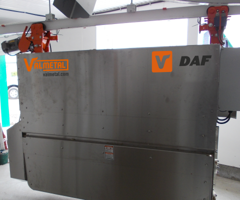 Rail Ration distributor – DAF: Versatile