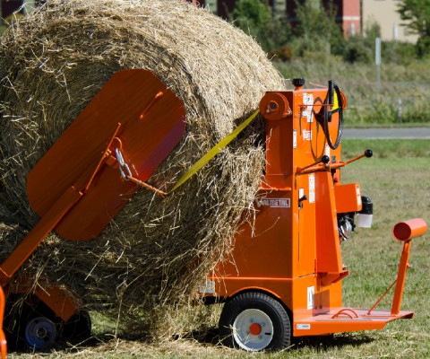 Round bale feed cart – Bale unroller: Rapid execution