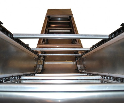 "Regulator conveyor 24"" (61 cm): Sturdy components for low maintenance"