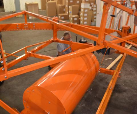 Central silo unloader – V2000: Hole Former